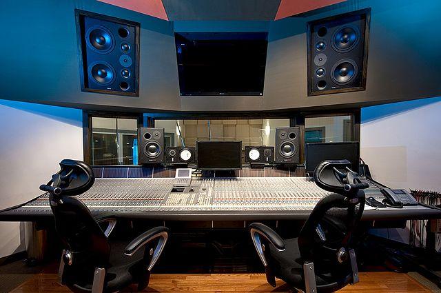 best professional setup for studio monitors music studio diy. Black Bedroom Furniture Sets. Home Design Ideas